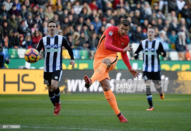 Edin Dzeko of AS Roma in action during the Serie A match between Udinese Calcio and AS Roma at Stadio Friuli on January 15 2017 in Udine Italy