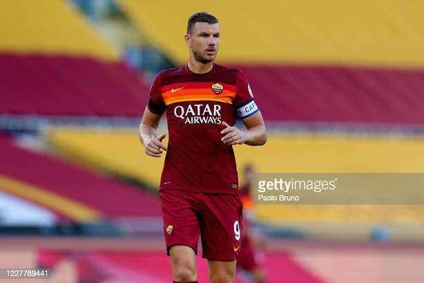 Edin Dzeko of AS Roma looks on during the Serie A match between AS Roma and ACF Fiorentina at Stadio Olimpico on July 26, 2020 in Rome, Italy.