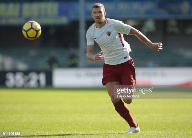 Edin Dzeko of AS Roma looks the ball during the serie A match between Hellas Verona FC and AS Roma at Stadio Marc'Antonio Bentegodi on February 4...