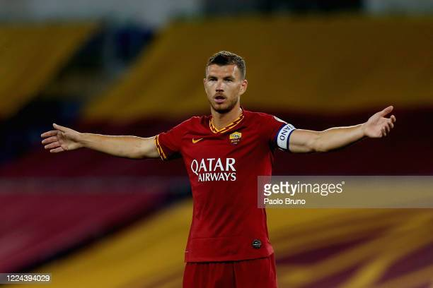 Edin Dzeko of AS Roma reacts during the Serie A match between AS Roma and Udinese Calcio at Stadio Olimpico on July 2, 2020 in Rome, Italy.