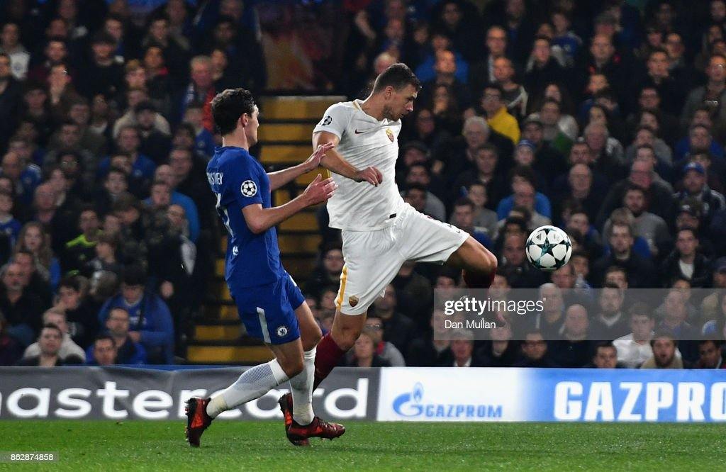 Edin Dzeko of AS Roma scores his sides second goal during the UEFA Champions League group C match between Chelsea FC and AS Roma at Stamford Bridge on October 18, 2017 in London, United Kingdom.