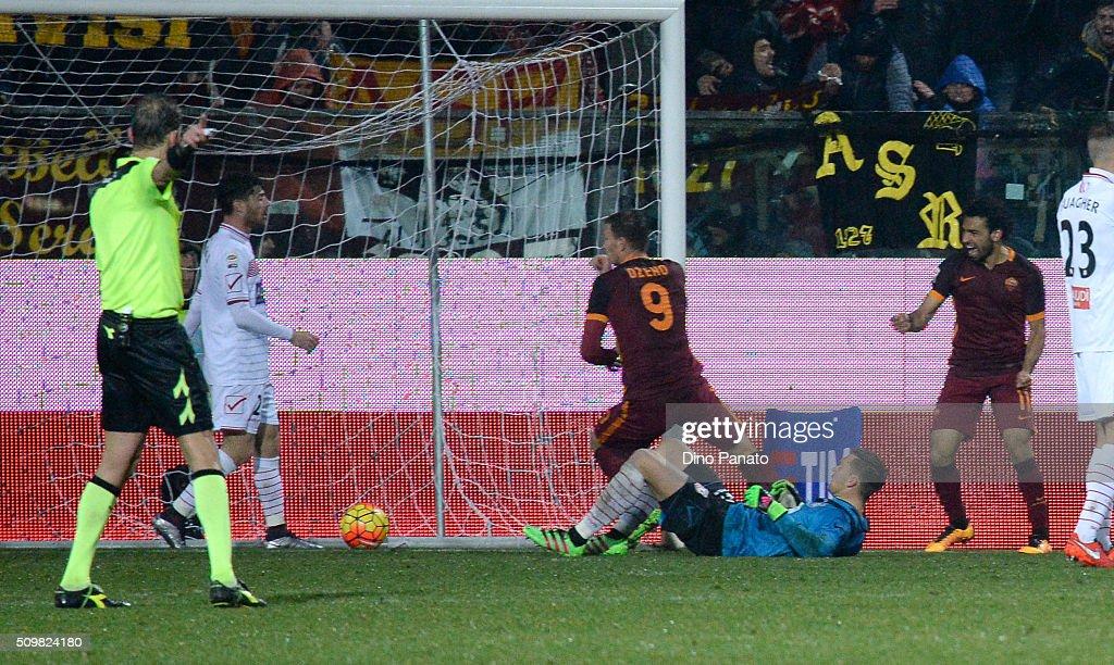 Carpi FC v AS Roma - Serie A : ニュース写真
