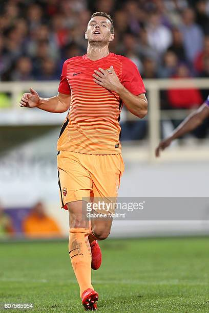 Edin Dzeko of AS Roma shows his dejection during the Serie A match between ACF Fiorentina and AS Roma at Stadio Artemio Franchi on September 18 2016...