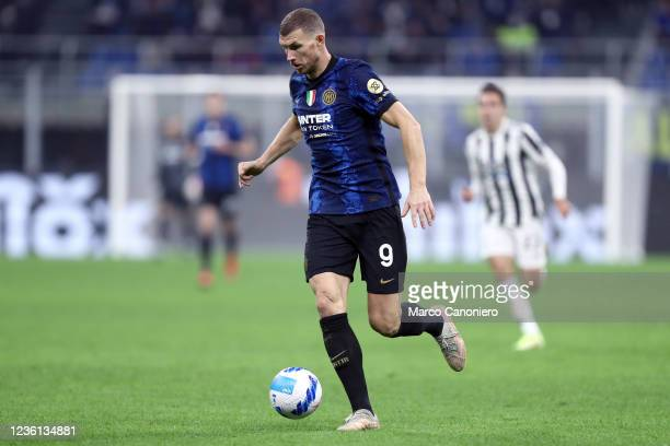 Edin Dzeko of Fc Internazionale in action during the Serie A match between Fc Internazionale and Juventus Fc. The match ends in a tie 1-1.