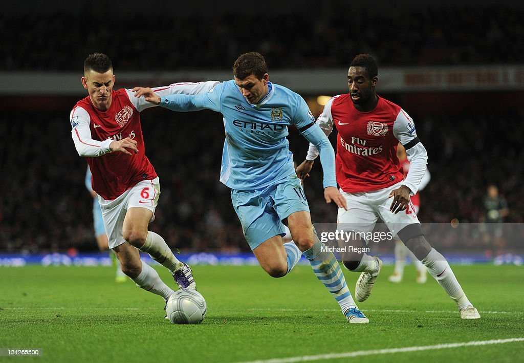 Arsenal v Manchester City - Carling Cup Quarter Final : News Photo