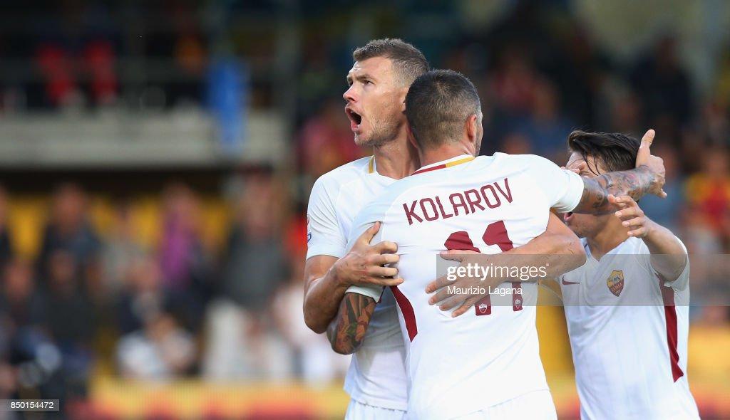 Edin Dzeko of Roma celebrates after scoring the opening goal during the Serie A match between Benevento Calcio and AS Roma at Stadio Ciro Vigorito on September 20, 2017 in Benevento, Italy.