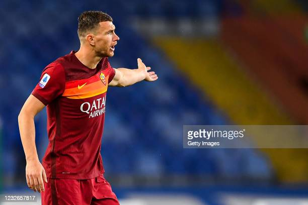 Edin Dzeko of Roma reacts with disappointment during the Serie A match between UC Sampdoria and AS Roma at Stadio Luigi Ferraris on May 2, 2021 in...