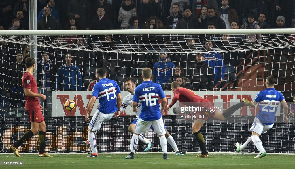 Edin Dzeko of Roma scoring the goal to 1-1 during the Serie A match between UC Sampdoria and AS Roma on January 24, 2018 in Genoa, Italy.