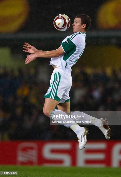 Edin Dzeko of Wolfsburg in action during the UEFA Europa League football match between Villarreal CF and VFL Wolfsburg at El Madrigal stadium on...