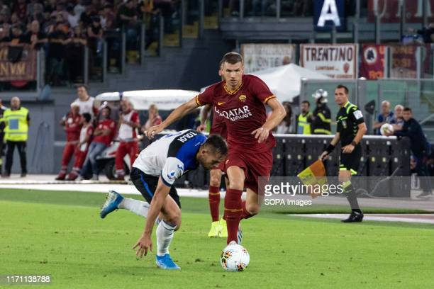 Edin Dzelo of AS Roma seen in action during the Serie A match between AS Roma and Atalanta at Olimpico Stadium