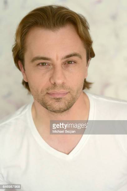 Edin Kalifornijskiposes for portraits at New Faces at the Artists Project on March 1, 2017 in Los Angeles, California.