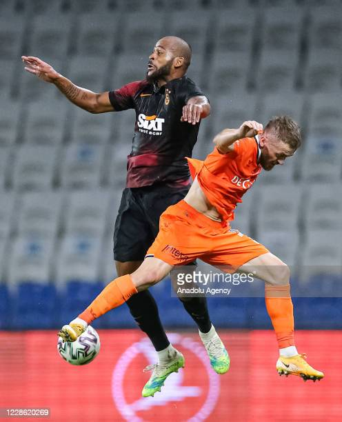 Edin Visca of Medipol Basaksehir in action against Marcao of Galatasaray during the Turkish Super Lig week 2 football match between Medipol...
