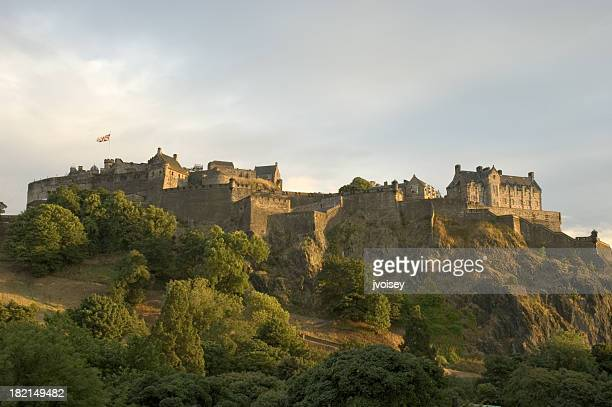 edinburgh castle at sunset - edinburgh castle stock pictures, royalty-free photos & images