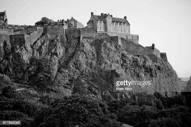 edinburgh castle, edinburgh, scotland, uk - edinburgh scotland stock-fotos und bilder