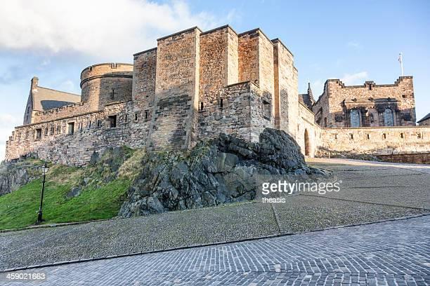 castillo de edimburgo - theasis fotografías e imágenes de stock