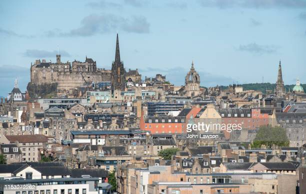 edinburgh cityscape - st. giles cathedral stock pictures, royalty-free photos & images