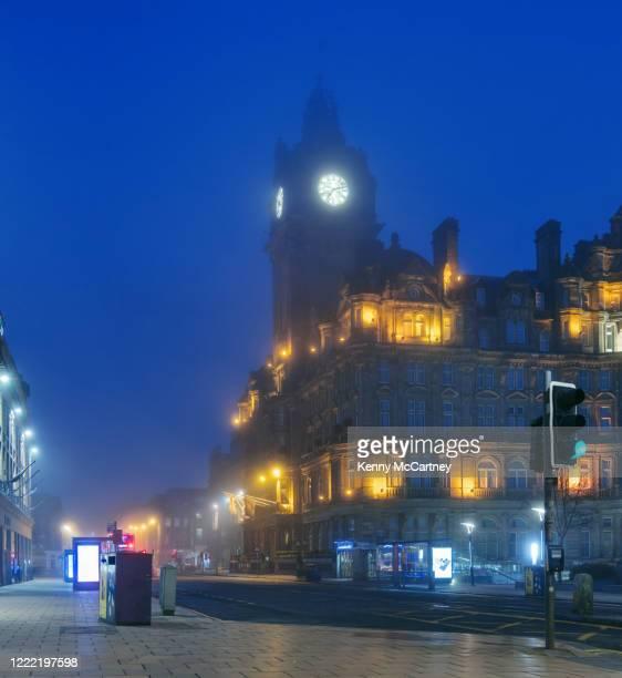 edinburgh - misty balmoral - corona landmarks stock pictures, royalty-free photos & images