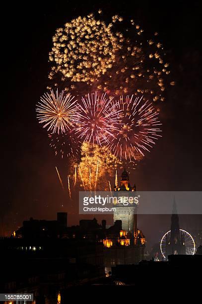 Edimburgo de fuegos artificiales de año nuevo