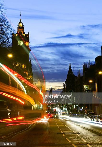 Edinburgh tráfico al atardecer