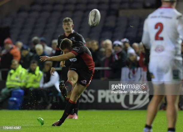 Edinburgh's Duncan Weir converts the penalty