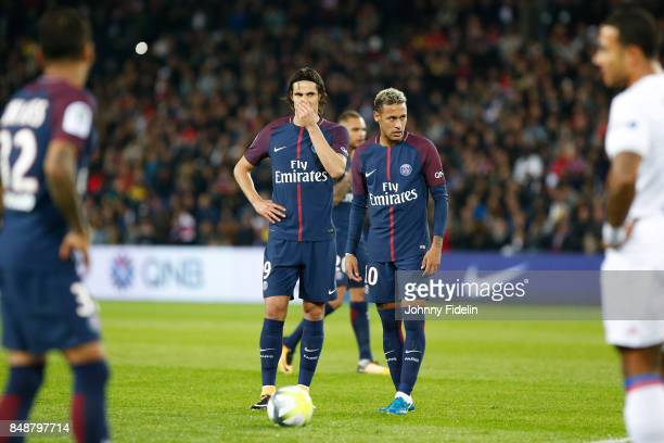 Edinson Cavani and Neymar Jr of PSG before a free kick during the Ligue 1 match between Paris Saint Germain and Olympique Lyonnais at Parc des...