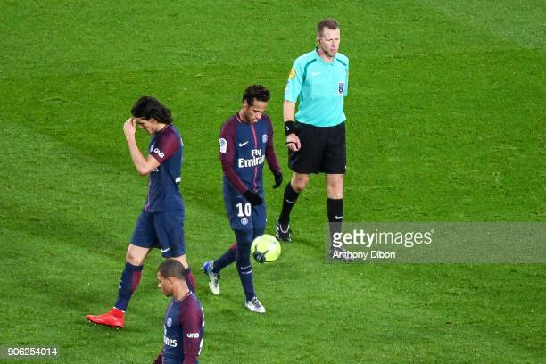 Edinson Cavani and Neymar Jr of PSG during the Ligue 1 match between Paris Saint Germain and Dijon FCO at Parc des Princes on January 17 2018 in Paris
