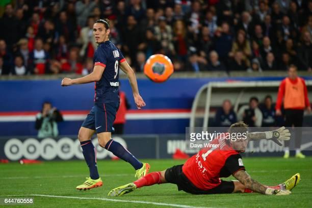 Edinson CAVANI / Benoit COSTIL Paris Saint Germain / Rennes 36eme journee de Ligue 1 Photo Dave Winter / Icon Sport