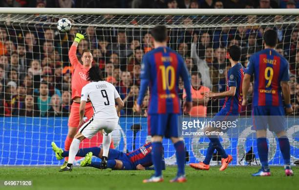 Edinson Cavani of Edinson Cavani of PSG scores their first goal past goalkeeper MarcAndre ter Stegen of Barcelona during the UEFA Champions League...