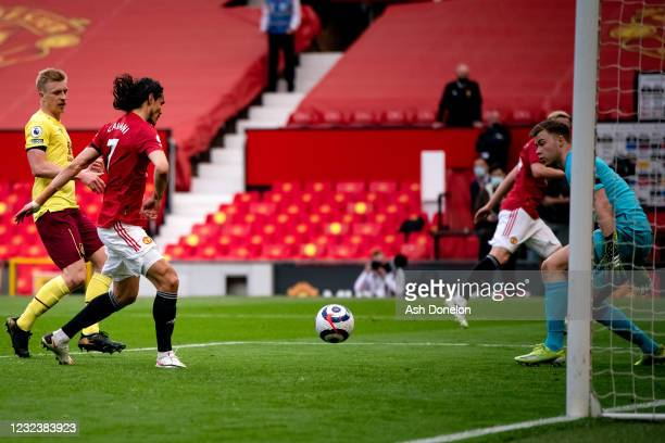 Edinson Cavani of Manchester United scores a goal to make the score 3-1 during the Premier League match between Manchester United and Burnley at Old...