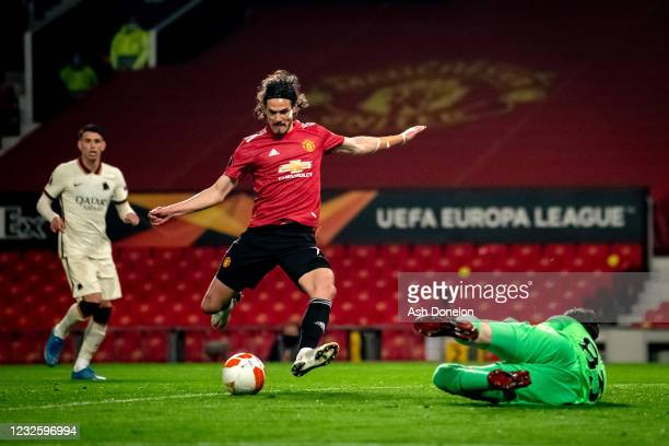Edinson Cavani of Manchester United scores a goal to make the score 3-2 during the UEFA Europa League Semi-final First Leg match between Manchester...
