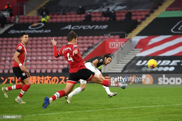 Edinson Cavani of Manchester United scores their team's third goal during the Premier League match between Southampton and Manchester United at St...