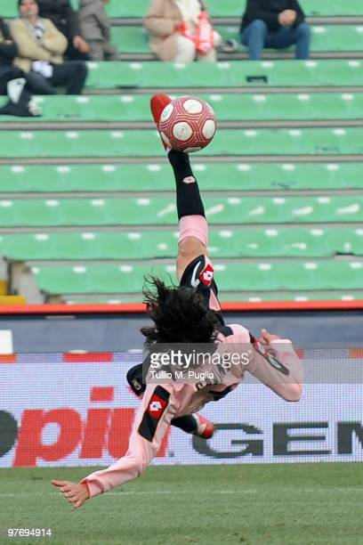 Edinson Cavani of Palermo scores his goal during the Serie A match between Udinese Calcio and US Citta di Palermo at Stadio Friuli on March 14 2010...