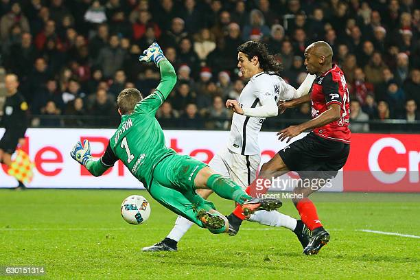 Edinson Cavani of Paris Saint Germain scores a goal during the French Ligue 1 match between Guingamp and Paris Saint Germain at Stade du Roudourou on...