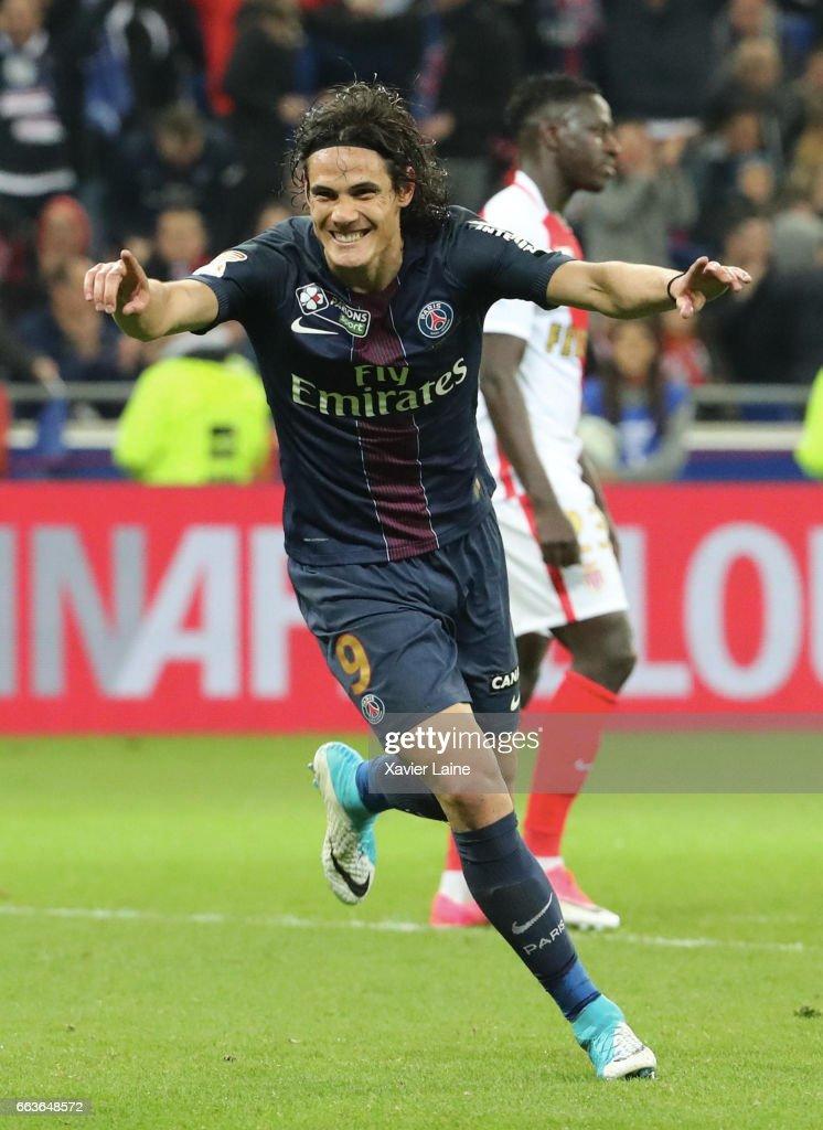 Edinson Cavani of Paris Saint-Germain celebrate his goal during the French League Cup Final match between Paris Saint-Germain and AS Monaco at Parc Olympique on Japril 01, 2017 in Lyon, France.