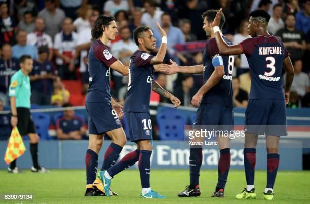 Edinson Cavani of Paris SaintGermain celebrate his goal with Neymar Jr and Thiago Motta during the French Ligue 1 match between Paris Saint Germain...