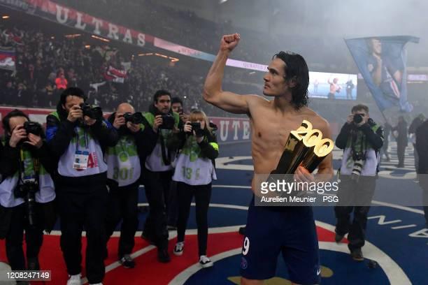 Edinson Cavani of Paris SaintGermain celebrates his 200th goal with Paris SaintGermain after the Ligue 1 match between Paris SaintGermain and...
