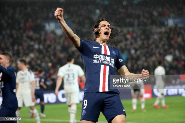 Edinson Cavani of Paris SaintGermain celebrates its two hundredths goal during the Ligue 1 match between Paris SaintGermain and Girondins Bordeaux at...