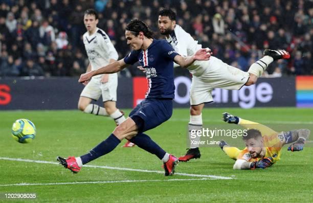 Edinson Cavani of Paris SaintGermain in action during the Ligue 1 match between Paris SaintGermain and Girondins Bordeaux at Parc des Princes on...