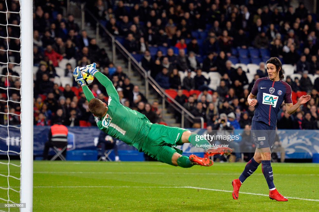 Edinson Cavani of Paris Saint-Germain misses a goal which would have made him the all time best scorer of Paris Saint-Germain during the French National Cup match between Paris Saint Germain and Dijon FCO at Parc des Princes on January 24, 2018 in Paris.