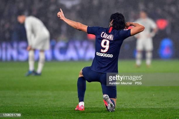 Edinson Cavani of Paris SaintGermain reacts after scoring during the Ligue 1 match between Paris SaintGermain and Girondins Bordeaux at Parc des...