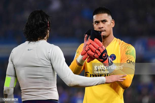 Edinson Cavani of PSG and Alphonse Areola of PSG salute the fans following the Ligue 1 match between RC Strasbourg and Paris Saint Germain on...