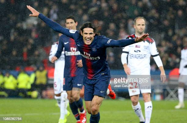 Edinson Cavani of PSG celebrates his goal during the french Ligue 1 match between Paris Saint Germain and En Avant Guingamp at Parc des Princes on...