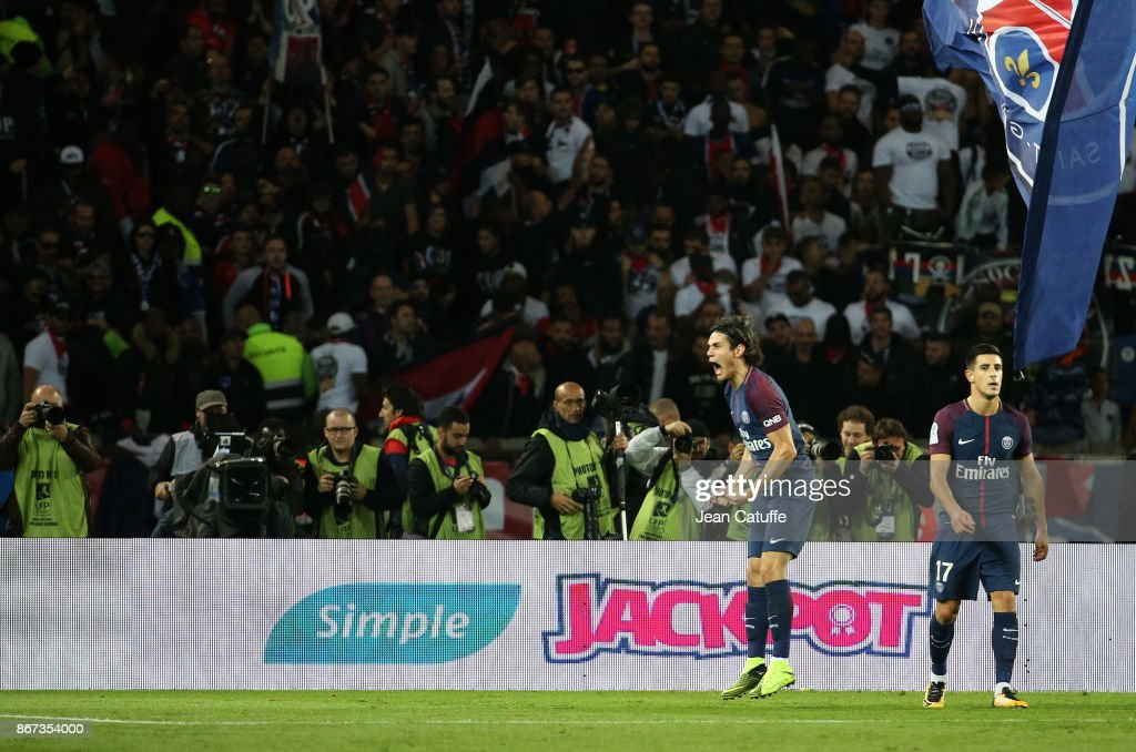 Edinson Cavani of PSG celebrates his goal during the French Ligue 1 match between Paris Saint-Germain (PSG) and OGC Nice at Parc des Princes stadium on October 27, 2017 in Paris, France.