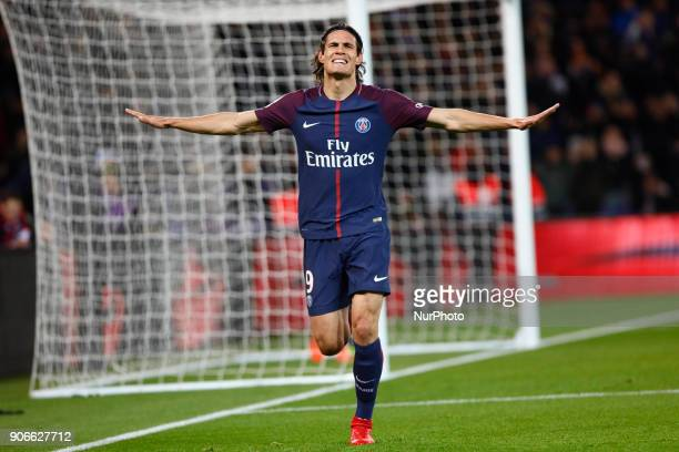 Edinson Cavani of PSG celebrates his goal tying the PSG record of Zlatan Ibrahimovic during the French Ligue 1 match between Paris Saint Germain and...