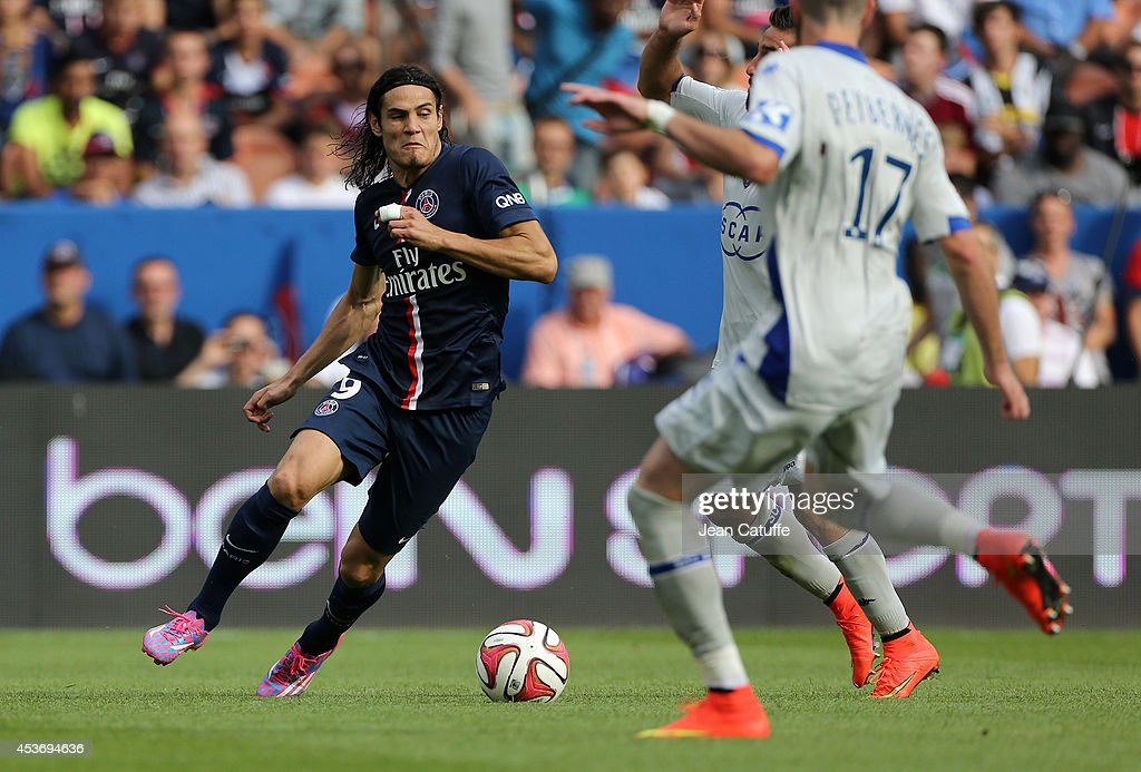 Edinson Cavani of PSG in action during the French Ligue 1 match between Paris Saint Germain FC and SC Bastia at Parc des Princes stadium on August 16, 2014 in Paris, France.