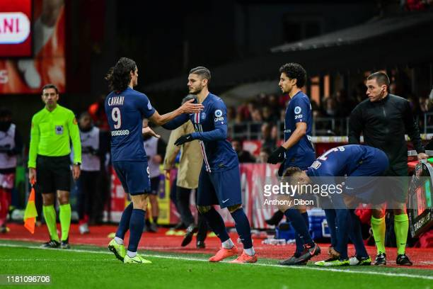 Edinson CAVANI of PSG is replaced by Mauro ICARDI of PSG during the Ligue 1 match between Brest and Paris Saint Germain at Stade FrancisLe Ble on...