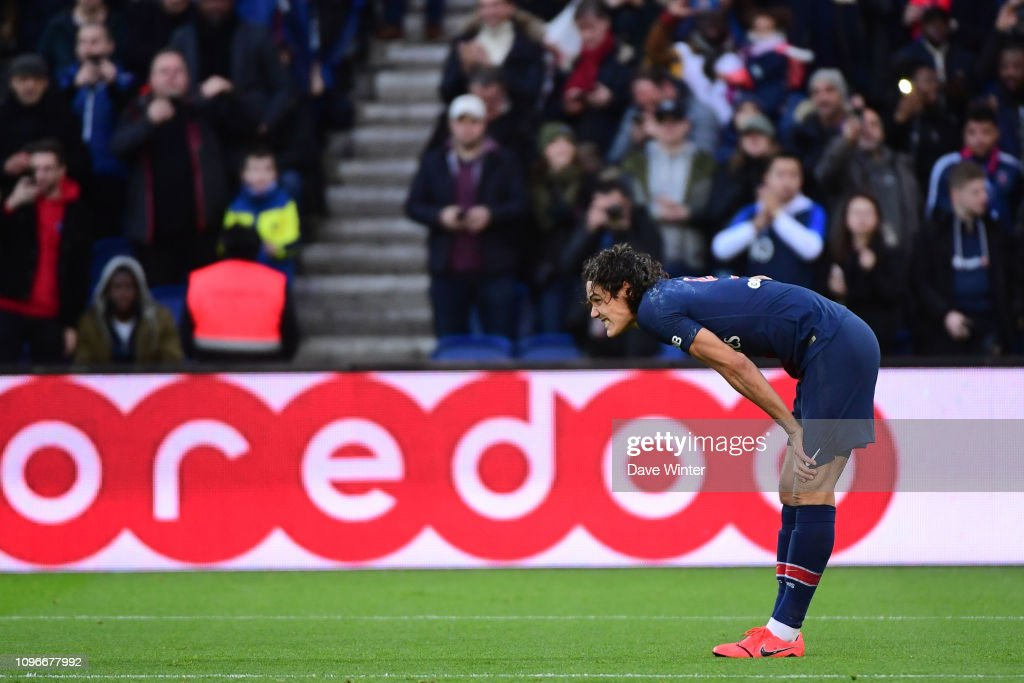 Edinson Cavani Of Psg Strains A Thigh Muscle After Scoring During The News Photo Getty Images