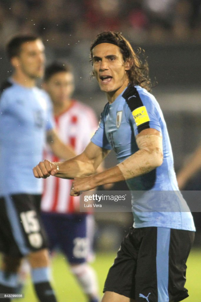 Edinson Cavani of Uruguay gestures during a match between Paraguay and Uruguay as part of FIFA 2018 World Cup Qualifiers at Defensores del Chaco Stadium on September 05, 2017 in Asuncion, Paraguay.