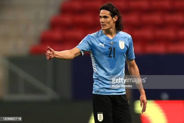 Edinson Cavani of Uruguay gives a thumb up during a quarter-final match of Copa America Brazil 2021 between Colombia and Uruguay at Mane Garrincha...