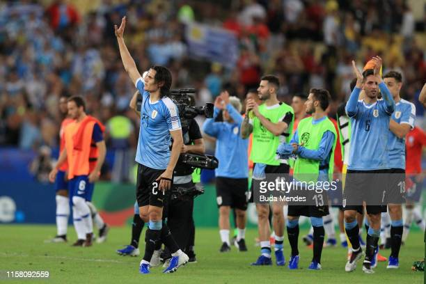 Edinson Cavani of Uruguay greets the fans after winning the Copa America Brazil 2019 group C match between Chile and Uruguay at Maracana Stadium on...
